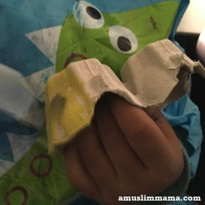 Egg-carton-honeybee3