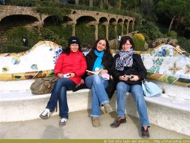 Contentas en el Parque Guell