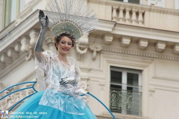 La Reina del Carnaval nos saluda