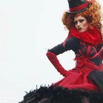 carnaval niza zanquera roja