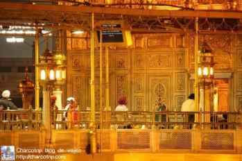 dentro-templo-dorado
