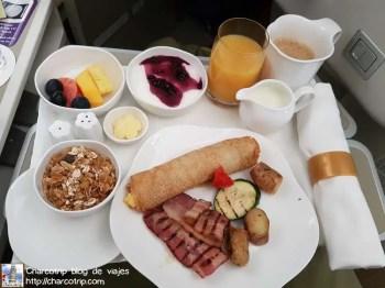 Desayuno (sin mantel)