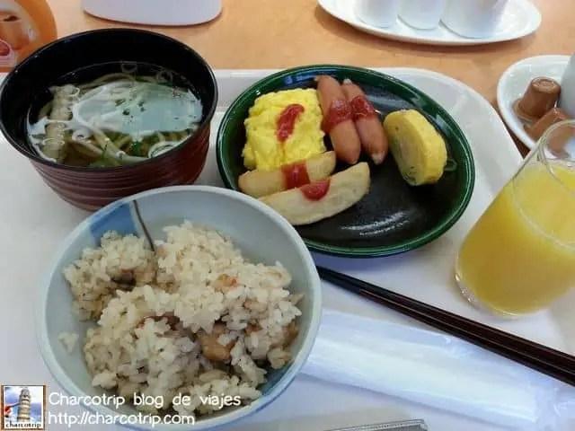 Antes de partir degustamos nuestro ultimo desayuno japones