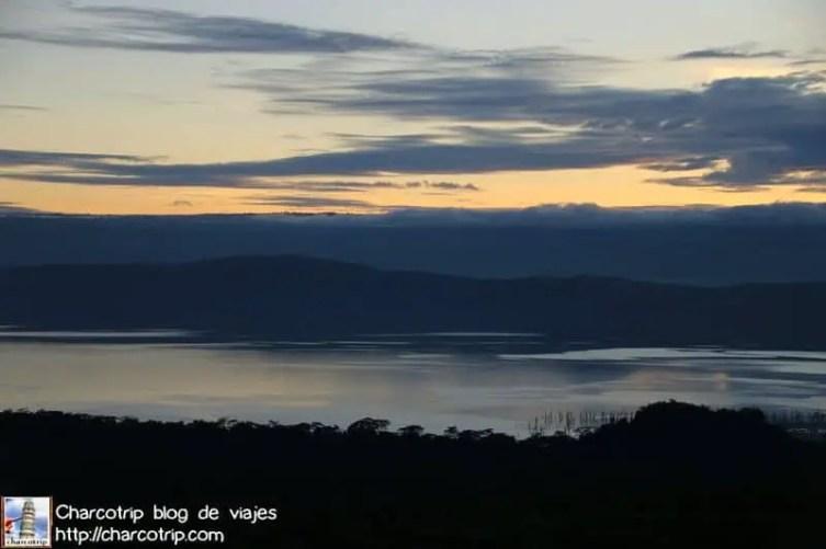 Lago Nakuru al amanecer