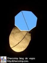 """A veces solo basta con voltear la cabeza hacia arriba para ver cosas inesperadas como esta """"lengua"""" de sol"""