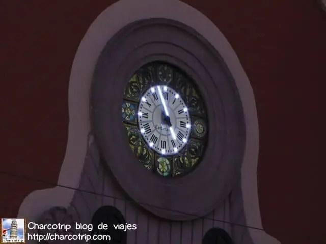 El reloj estaba iluminado