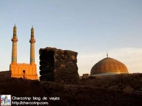 Y se alcanzaba a ver la Mezquita Jame