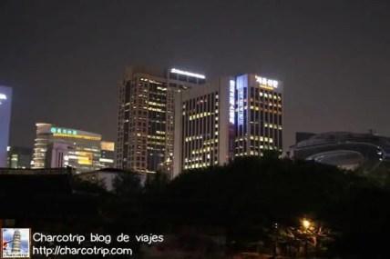 palacio-deoksugung-edificios-modernos