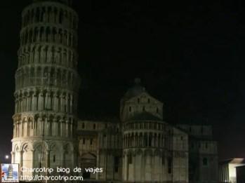 La torre de noche