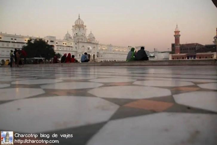 piso-templo-dorado-amritsar