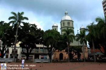 plaza-bolivar-catedral-pereira