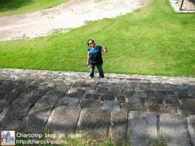 Estando en un lugar lleno de piramides, aunque no eran muy altas, las escaleras dolian hahahaha