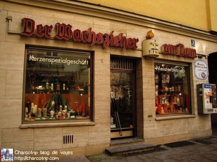 Una tienda de velas