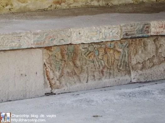 tula-muro-serpientes-colores