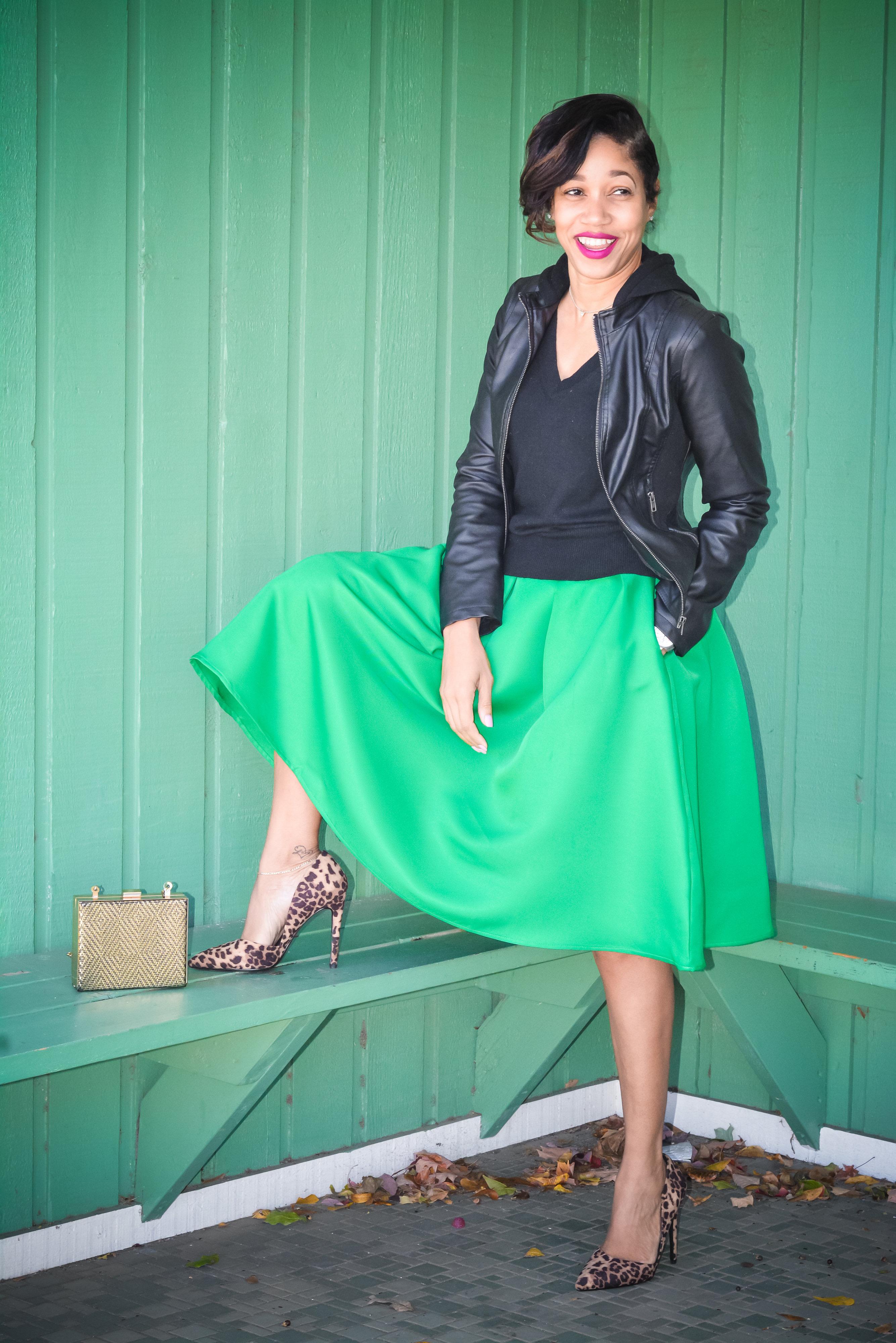 green midi skirt_leapord pumps