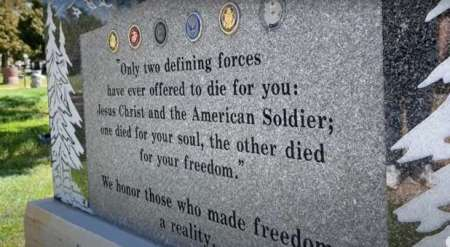 Critics Call for Removal of Veterans Memorial Set Up by Teen to Honor his Grandfather, Father With References to Jesus