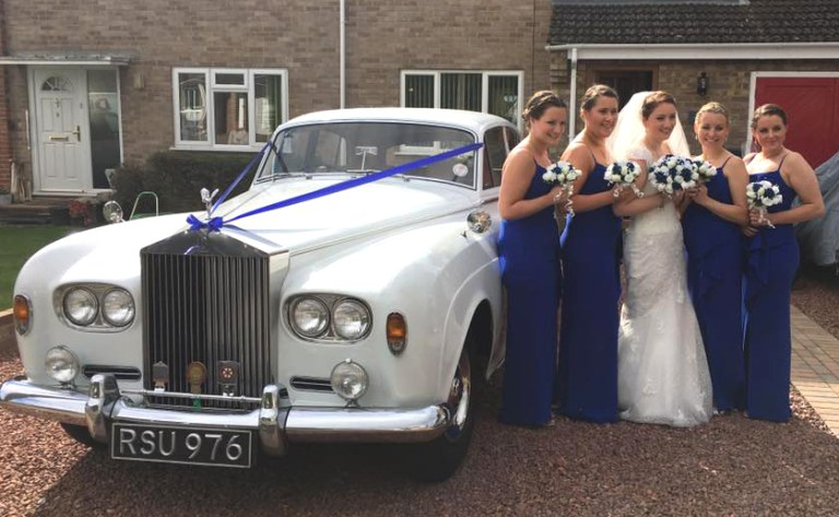 rolls-royce-1964-charles-with-bride-and-bridesmaids