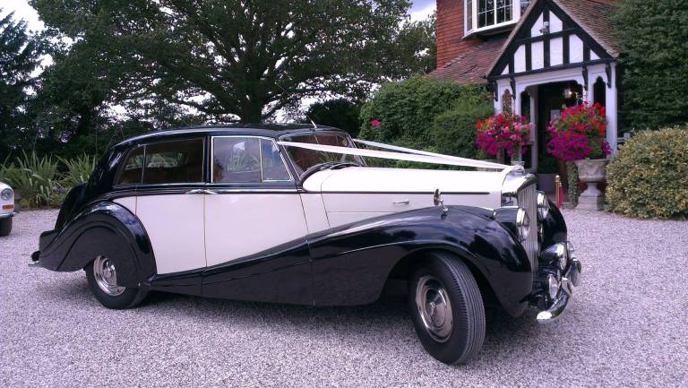 bentley-mk-6-1952-beatrice-ready-for-the-wedding