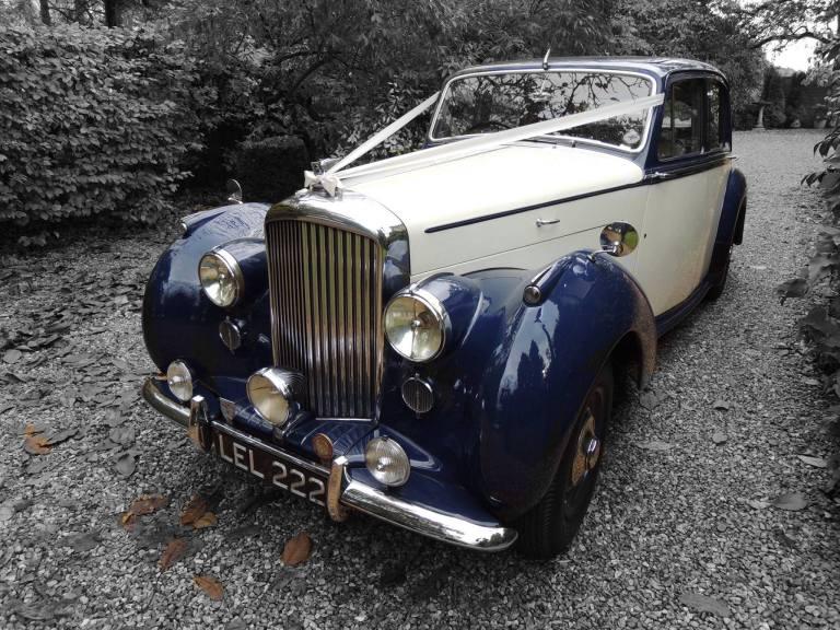 bentley-saloon-1951-leonard-ready-for-wedding