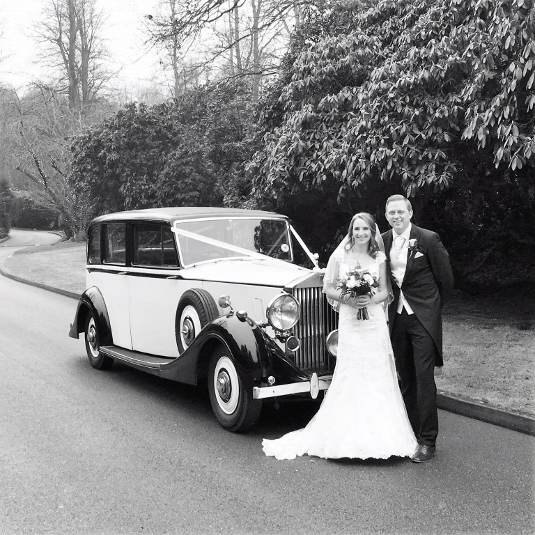 rolls-royce-1939-wraith-victoria-with-the-happy-couple-bw