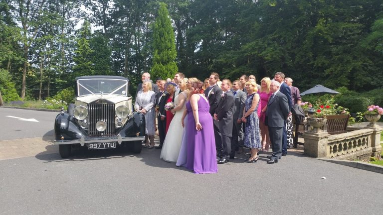 rolls-royce-1939-wraith-victoria-with-the-wedding-party