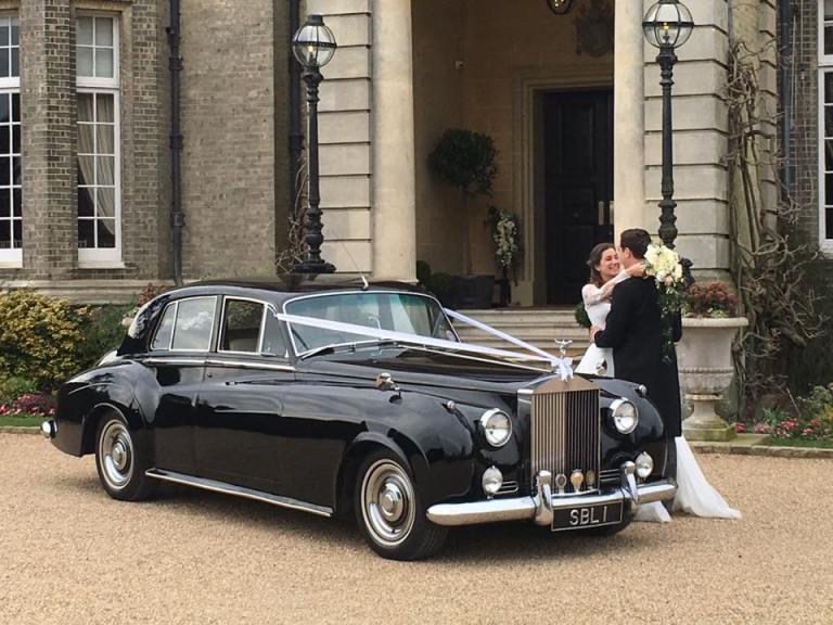 rolls-royce-1962-humphrey-with-the-happy-couple
