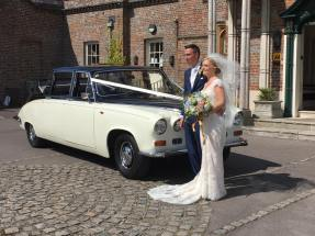 Daimler state landaulette from 1970 with the happy couple