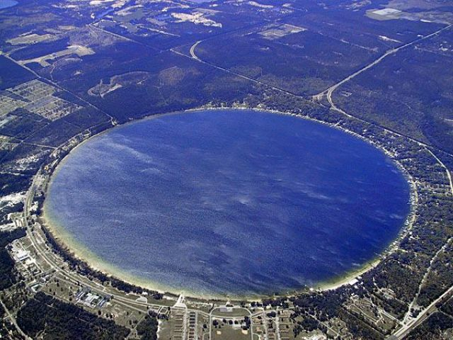 Kingsley Lake - A Circular Lake of Florida - Charismatic Planet