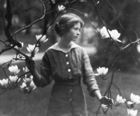 Edna St. Vincent Millay at Vassar College - 1914. Photographed by Arnold Genthe.