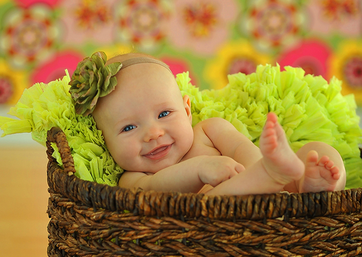 Charleen's Portrait Studio - Maternity & Newborn Photography