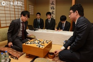 Japanese men playing go to help learning a language with pictures