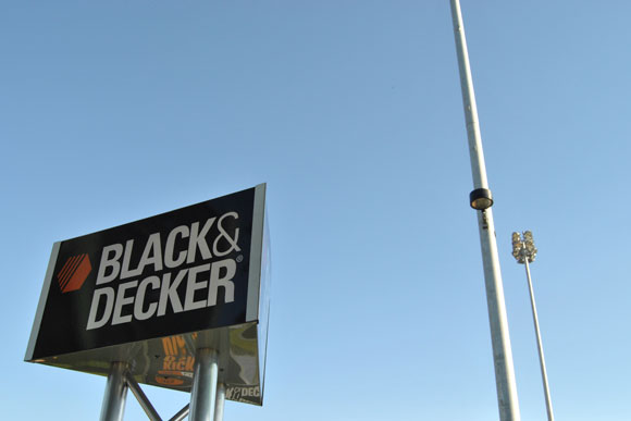 black-decker-sign.jpg