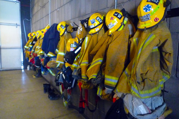 firefighter-turnouts.jpg