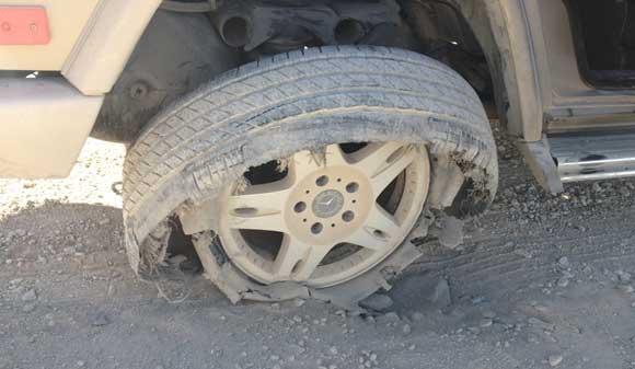 tire-flat-change.jpg