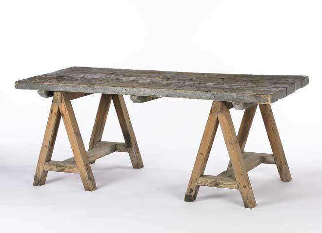 rustic-sawhorse-table