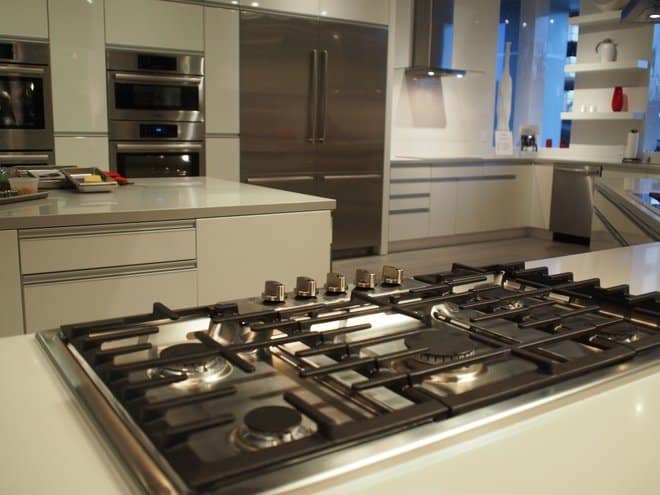 a common question among homeowners is whats the difference between a range stove and cooktop - Kitchen Stove
