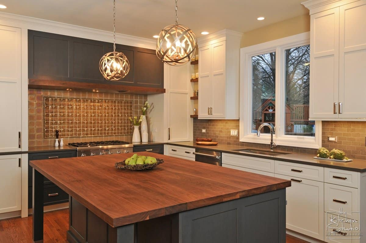 If Youu0027re A Fan Of HGTVu0027s U201cFixer Upperu201d With Chip And Joanna Gaines, Then  You Know The Popularity Of Custom Cabinetry (and Oversized Clocks).