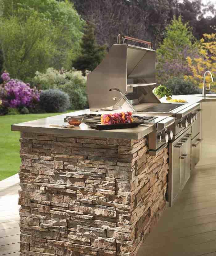 ply-gem-stone-true-stack-in-flint-grill-shot