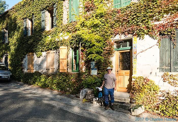 L'Abri-Niquel Chambre'd.hote, Bruniqul, photographed by Charles Hawes