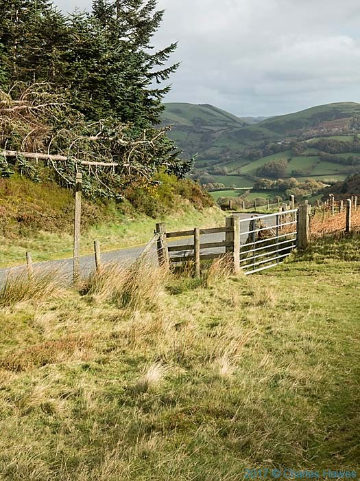 Bwlch Glynmynydd, photographed from The Cambrian Way by Charles Hawes