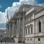 500px-Metropolitan_Museum_of_Art_entrance_NYC