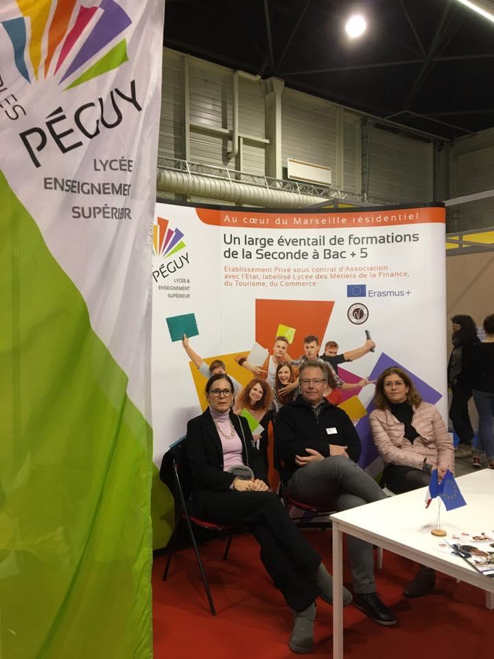 Professeurs au Stand de Charles Péguy