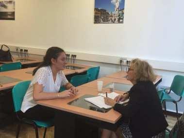 Régine MOURTHE en entretien avec une élève