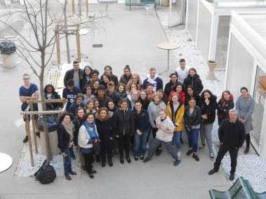 Groupe des 25 élèves et des professeurs en de la Direction de Charles péguy