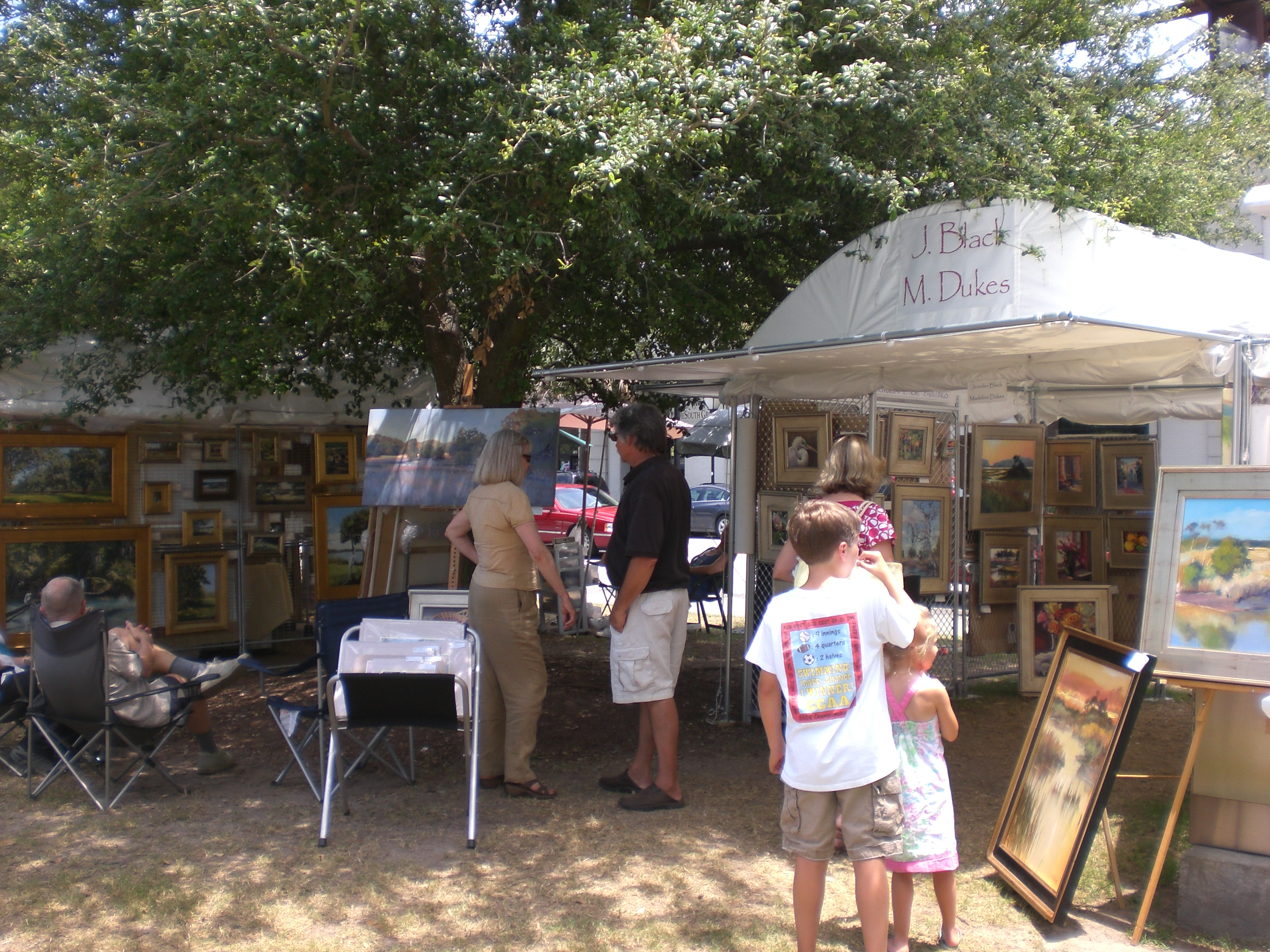 art lovers at Marion Square