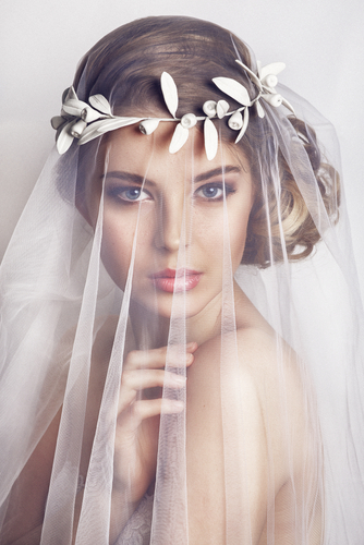 How to Choose the Right Wedding Hair Accessory