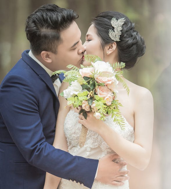 5 Reasons to Hire a Professional Hairstylist for Your Wedding