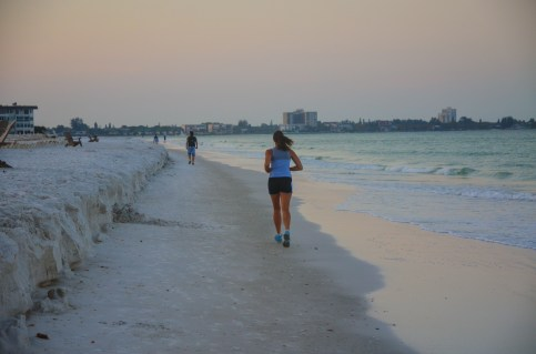lido beach early morning runner (1 of 1)