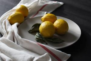 charlie_johns_recipes_lemon-cake