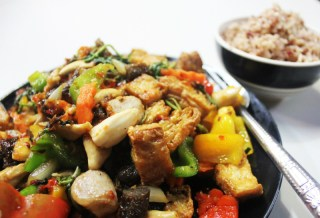 Budget friendly meal bamboo bee - cost to travel Thailand - Charlie on Travel